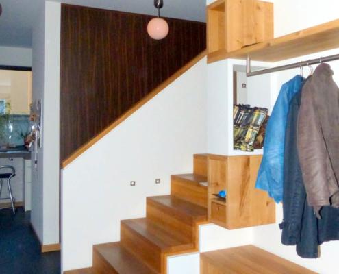 Garderobe mit Holzquadern Asteiche und Weißlack